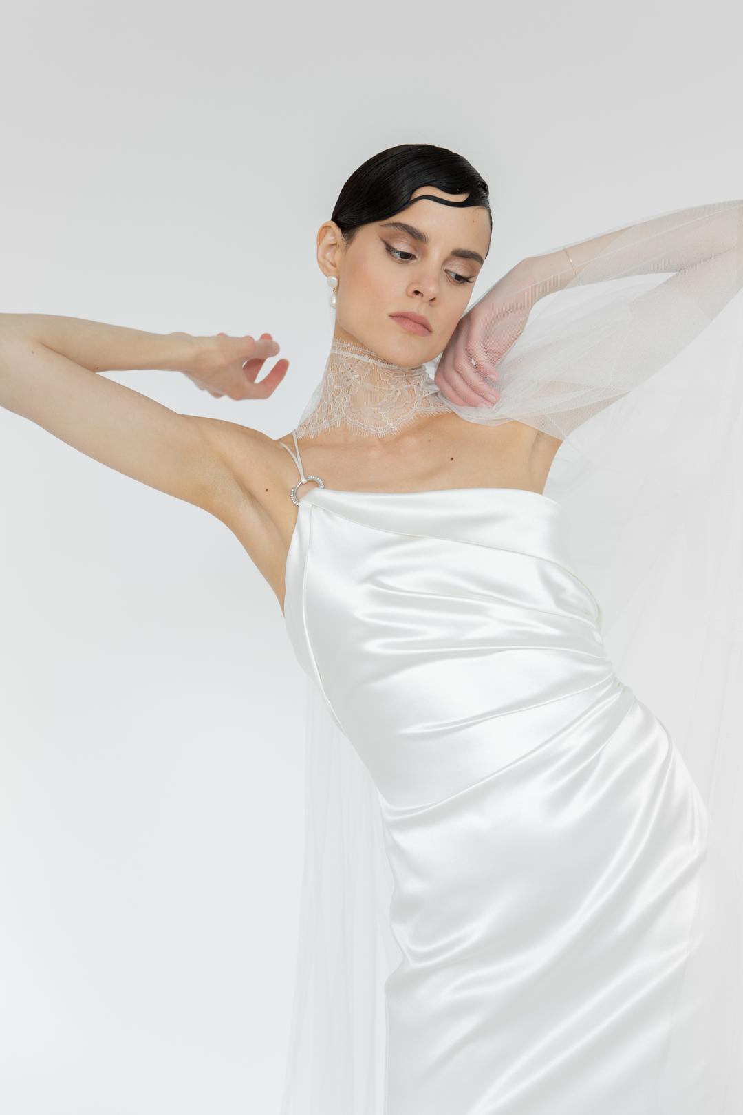 keira  dress photo