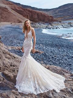 1001 dress photo 2