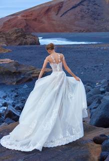 1004 dress photo 2
