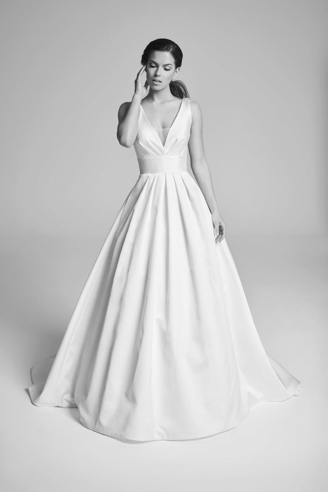 corbel dress photo