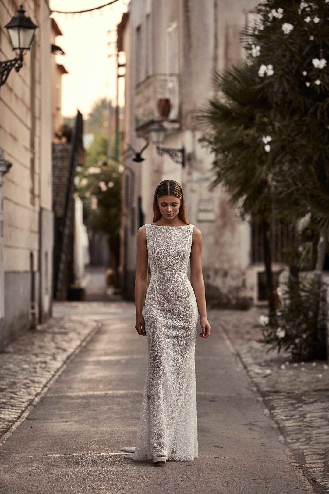 leon dress dress photo