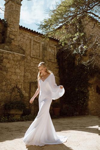 jarnice gown  dress photo