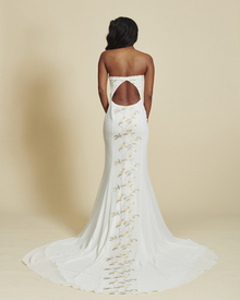 liona dress photo 3