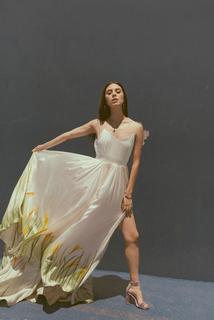 avie dress photo 4