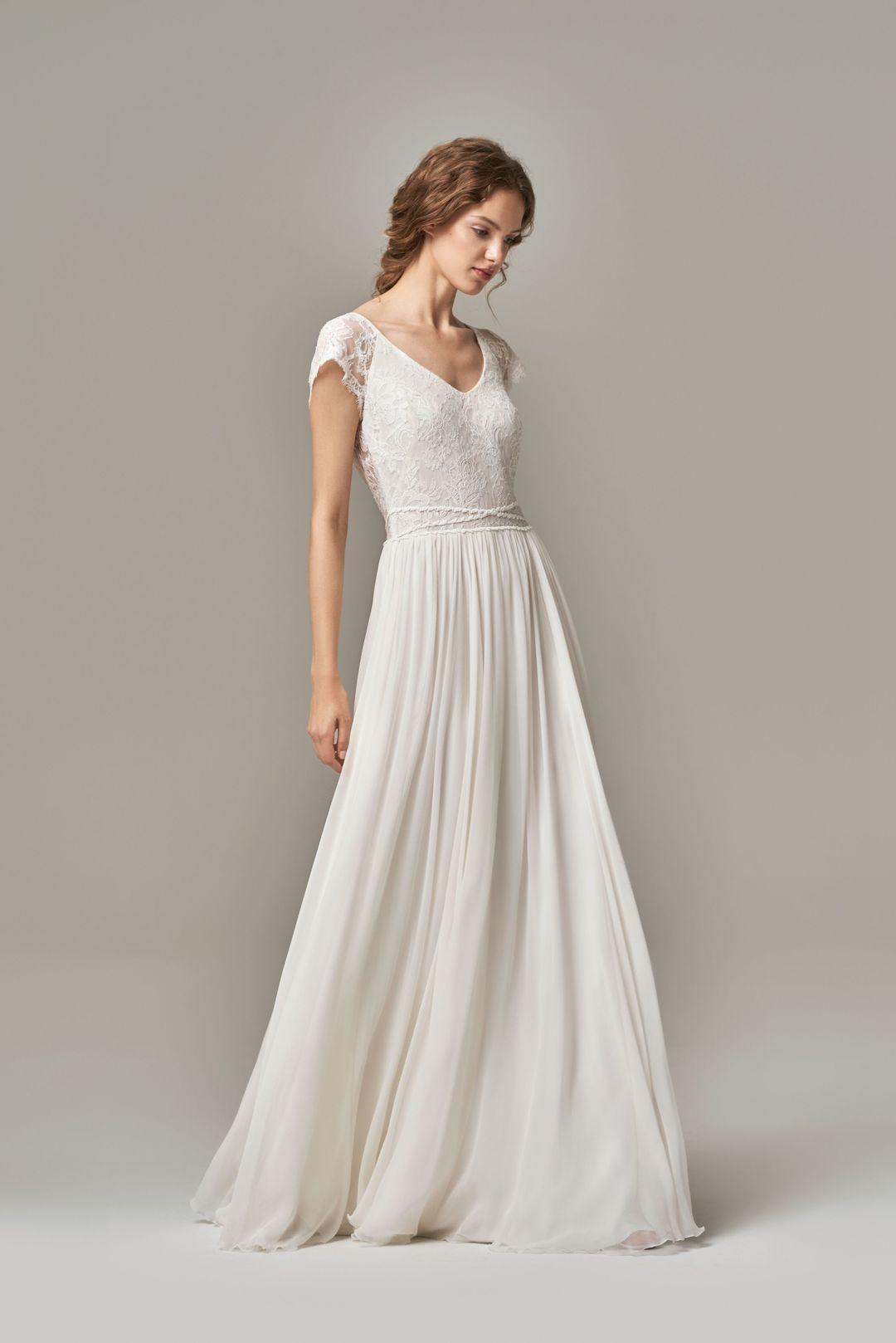 kyla  dress photo