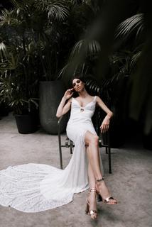 kendall dress photo 4