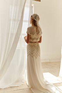 avery dress photo 3
