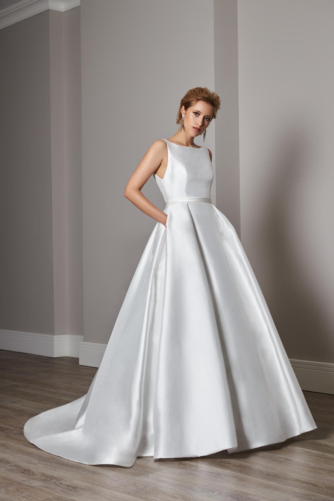 elizabeth dress photo