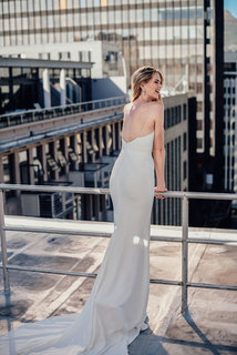 gardenia dress photo 3