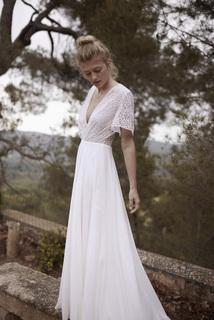 she walks in beauty dress photo 3