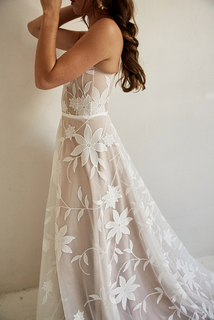 savannah gown dress photo 4