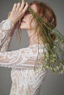 onika  dress photo 4