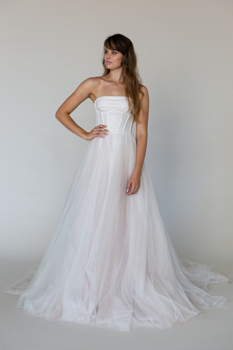 cyrus tulle dress photo