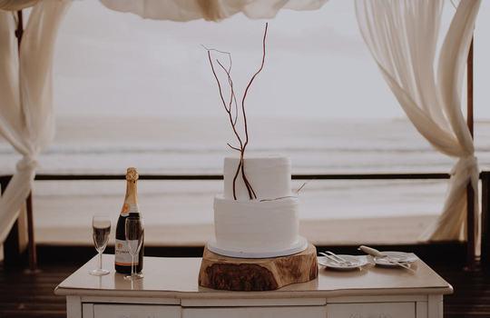 inside ana and jaime's romantic villa do conde wedding inspiration photo 8