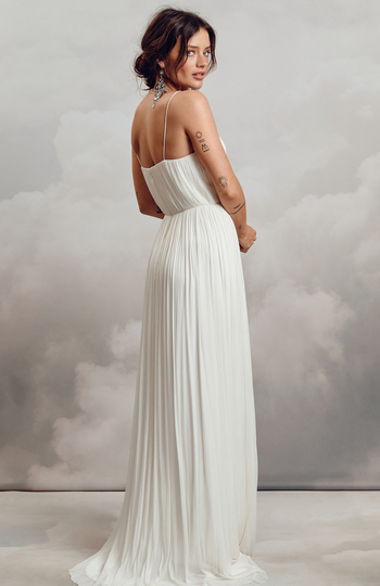 top-quality wedding outfits for under €1.5k inspiration photo 9