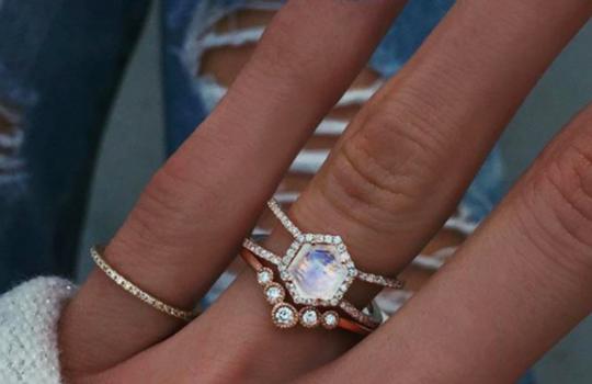 alternative engagement rings inspiration photo 12