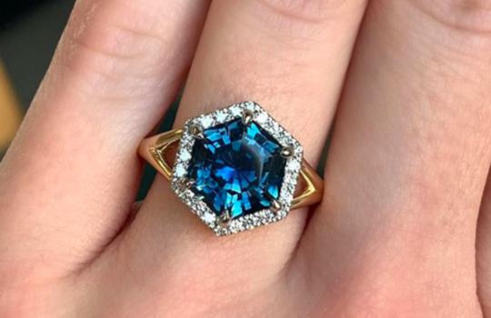 alternative engagement rings inspiration photo 3