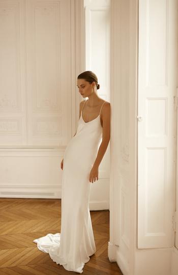 spotlight on slip gowns inspiration photo 11