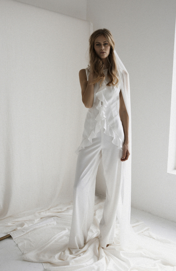 9 bridal jumpsuits we love right now inspiration photo 9