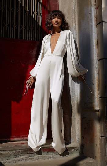 9 bridal jumpsuits we love right now inspiration photo 3