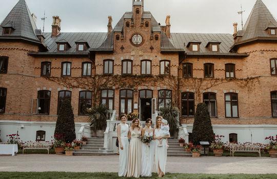 hannah and nicklas' castle wedding   inspiration photo 8