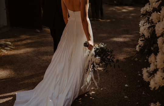 hannah and nicklas' castle wedding   inspiration photo 2