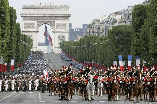 14 juli parade parijs