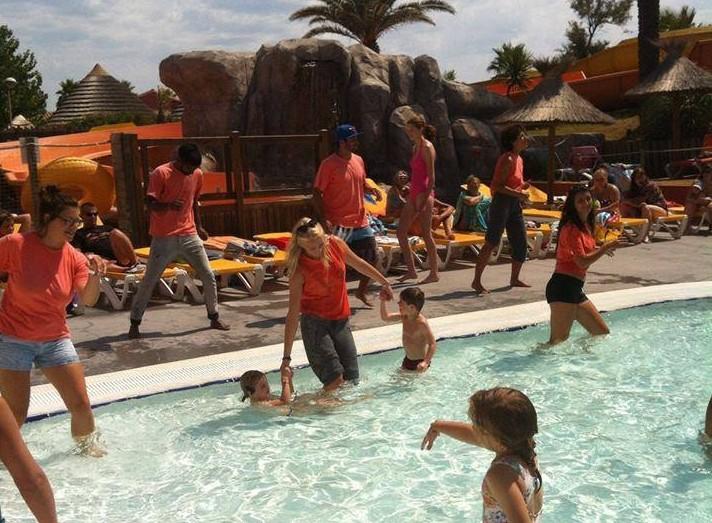 Ilse dansen zwembad aloha