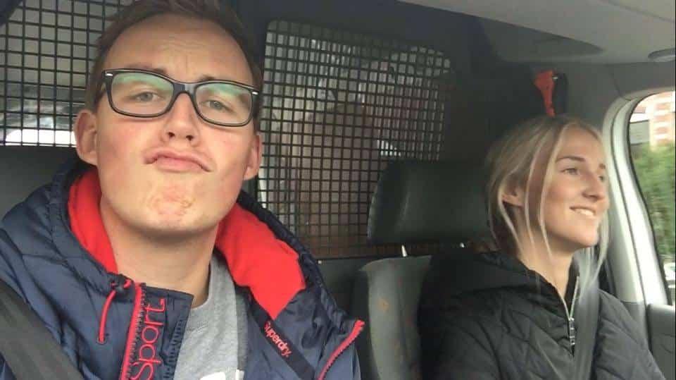 Ilse en Mitchel in VW Caddy