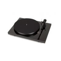 ProJect Debut Carbon Phono DC USB + OM 10 Piano (Černá)
