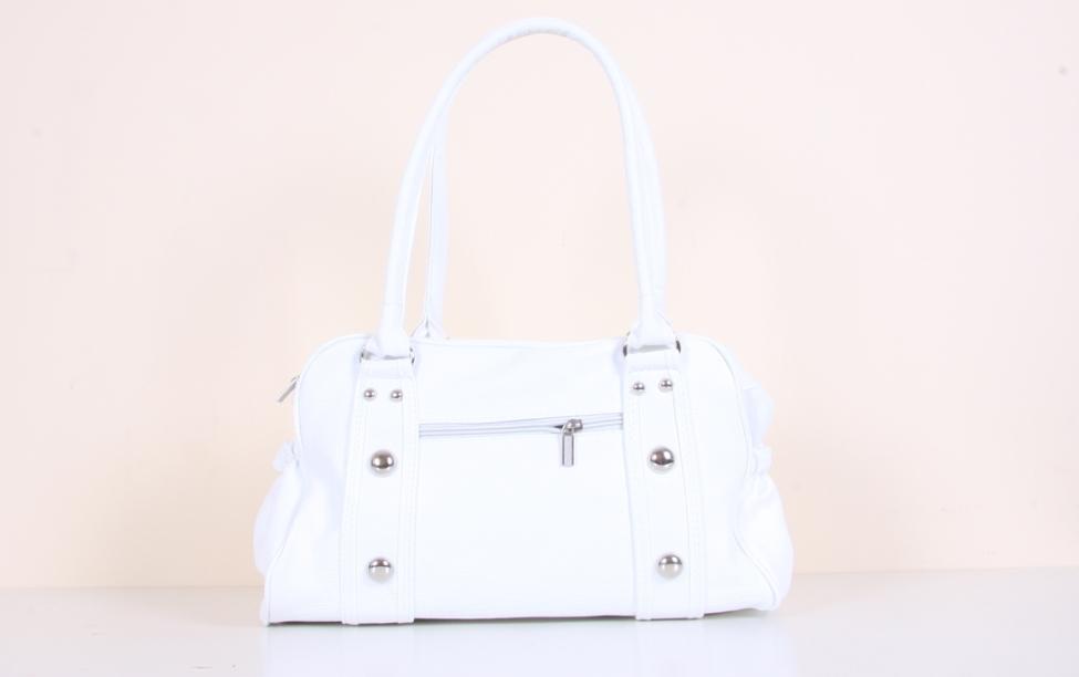Beyaz Çanta Temizliği Nasıl Yapılır?