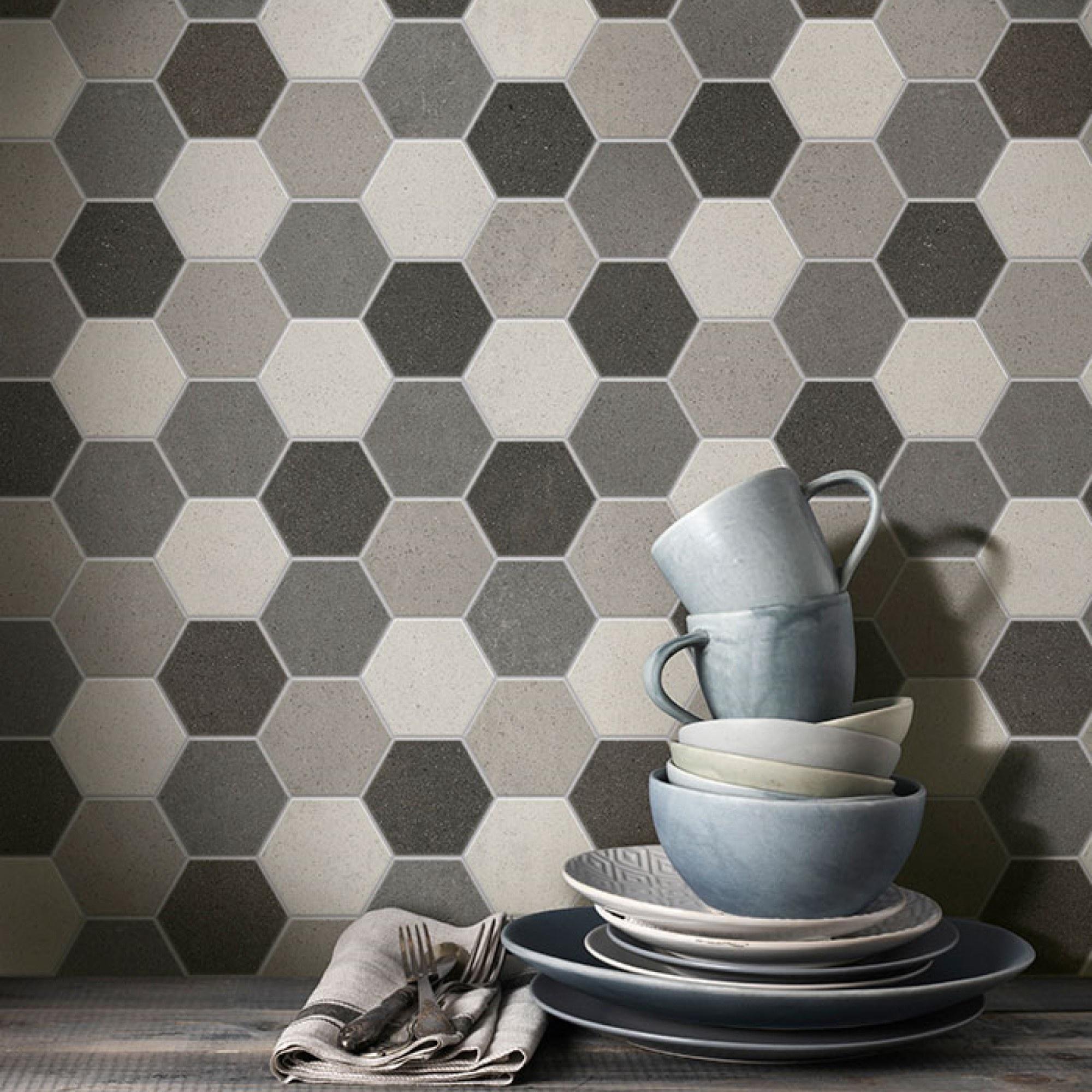 Betonlook hexagon wandtegels in crème, taupe en grijs