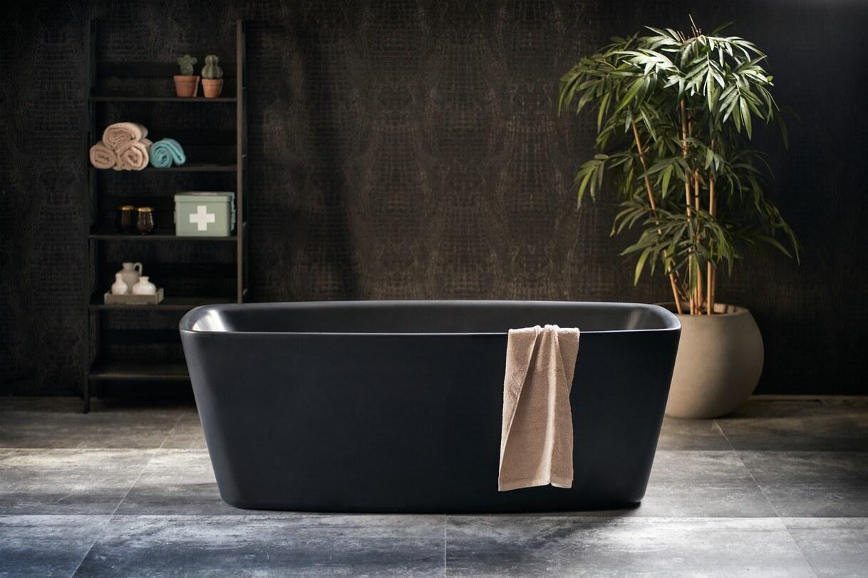 Modern stoer mat zwart vrijstaand bad