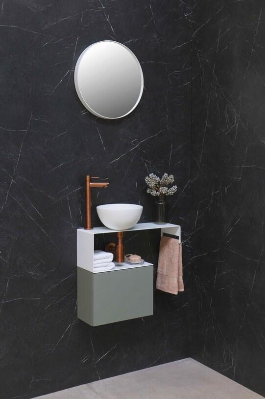 Moderne fonteinset met onderkast, waskom en kraan van geborsteld koper