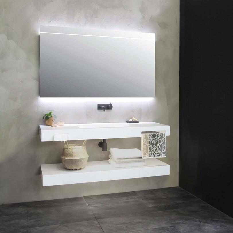 Italiaanse badkamer met strak badmeubel