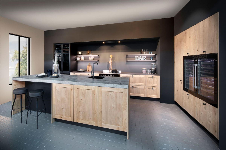 Stoere industriële keuken met betonnen blad