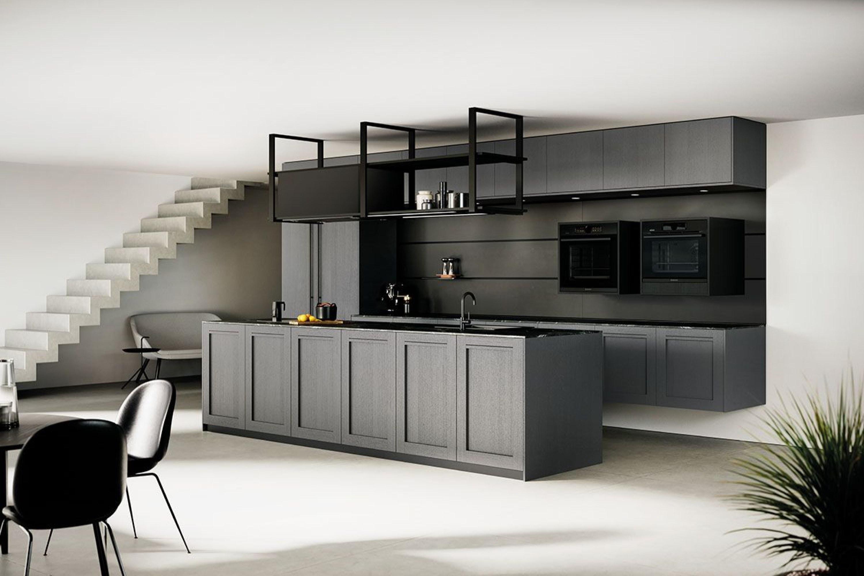 Modern landelijke zwarte houtlook keuken met eiland