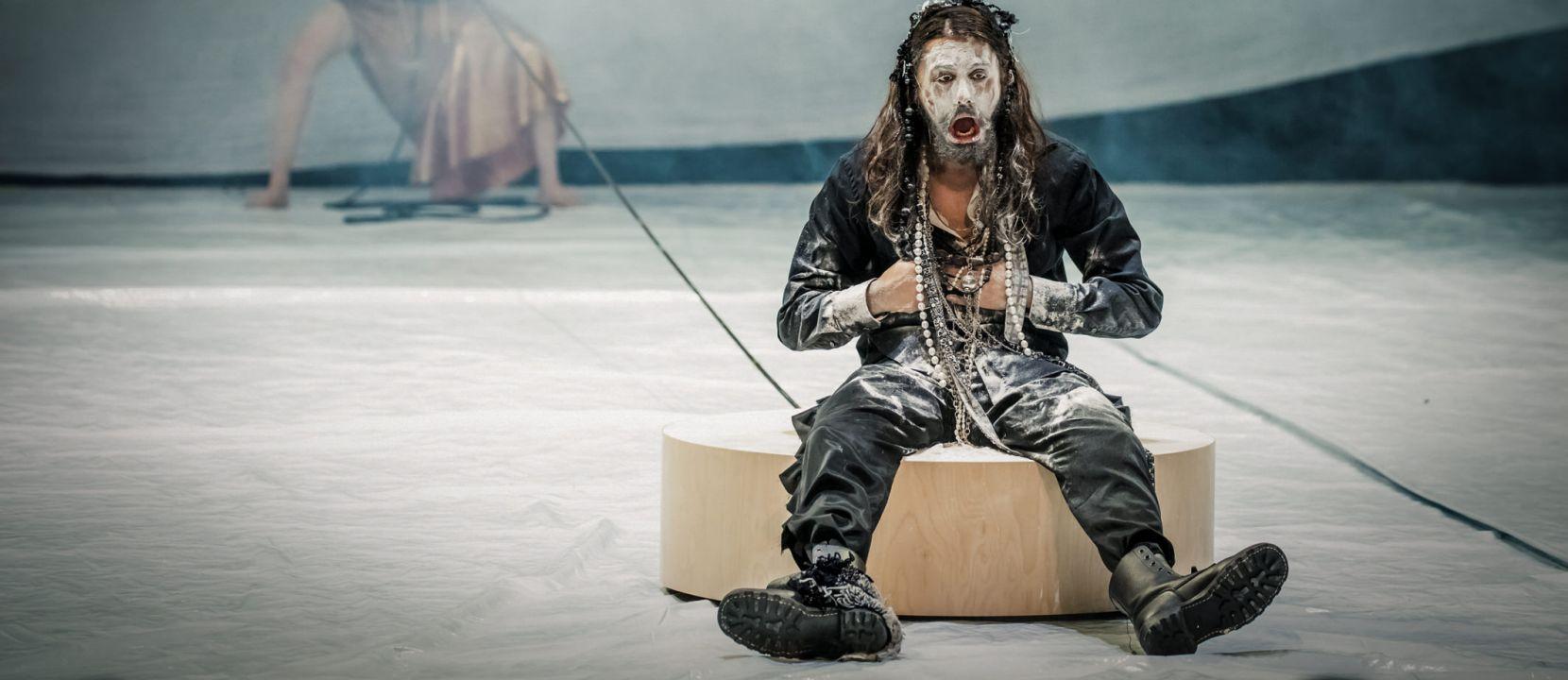 Citaten Kunst Zombie : Hamlet toneelhuis