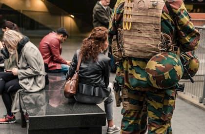 Red. The Sorrows of Belgium III: Hellhole