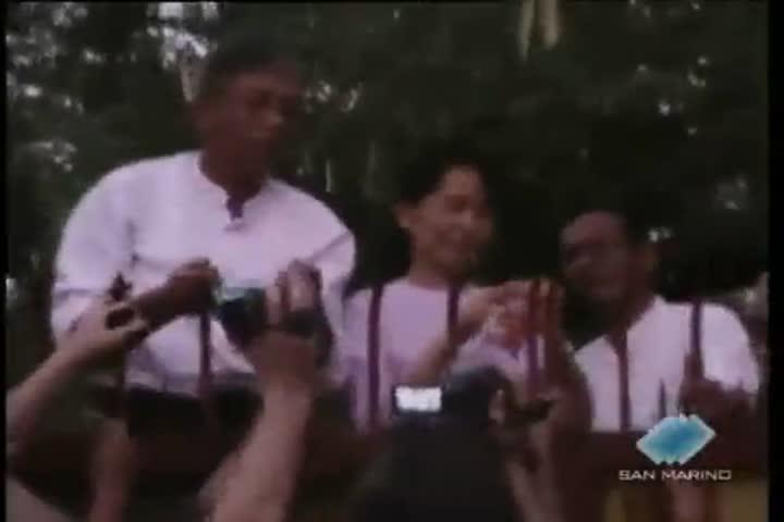 Aung San Suu Kyi è libera (Servizio ed Editoriale)