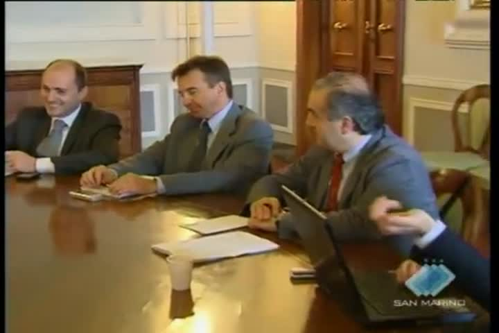 Dall'incontro del Governo con tutti i gruppi consiliari la volontà di togliere ogni pretesto all'Italia