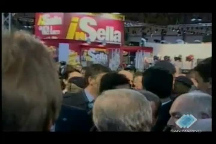 """Il """"caso Ruby"""" continua a condizionare il tenore del dibattito politico in Italia"""