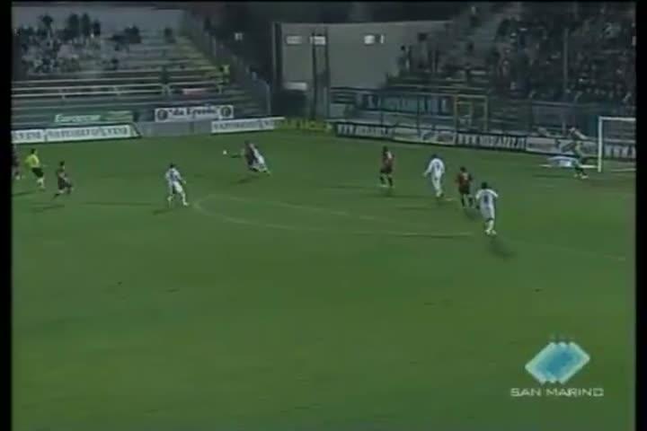 Nel posticipo di B, Crotone-Lecce 1-1