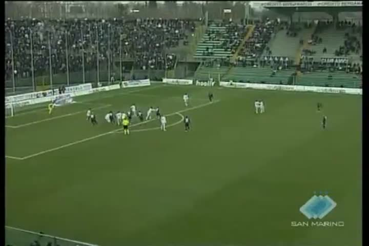 Serie A: Milan a valanga, Napoli-Palermo impattano 0-0