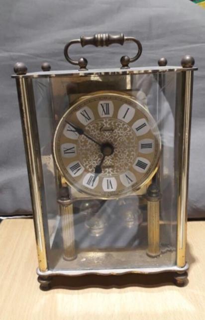 ساعة اثرية المانية