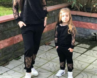 لبس الام وبنتها
