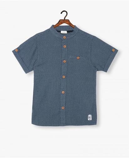 قميص بطبعة محاكة للأولاد ازرق