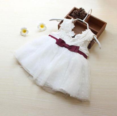 فستان بناتي محبوك من الدانتيل