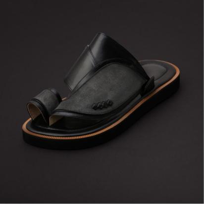 حذاء شرقي جلد شمواه اللون اسود