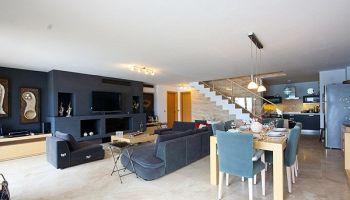 Gümbet'te Denize Sıfır, Site İçi Ultra Lüks Havuzlu 3 Oda 1 Salon Kiralık Dubleks